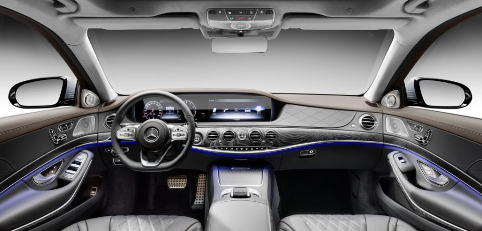 WHAT ARE THE THINGS TO BE NOTICED WHILE LOOKING FOR ACCESSORIES OF YOUR BENZ CAR
