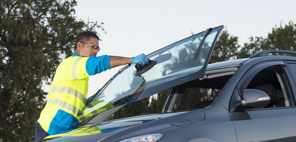 Find an ultimate solution for your auto glass nightmare